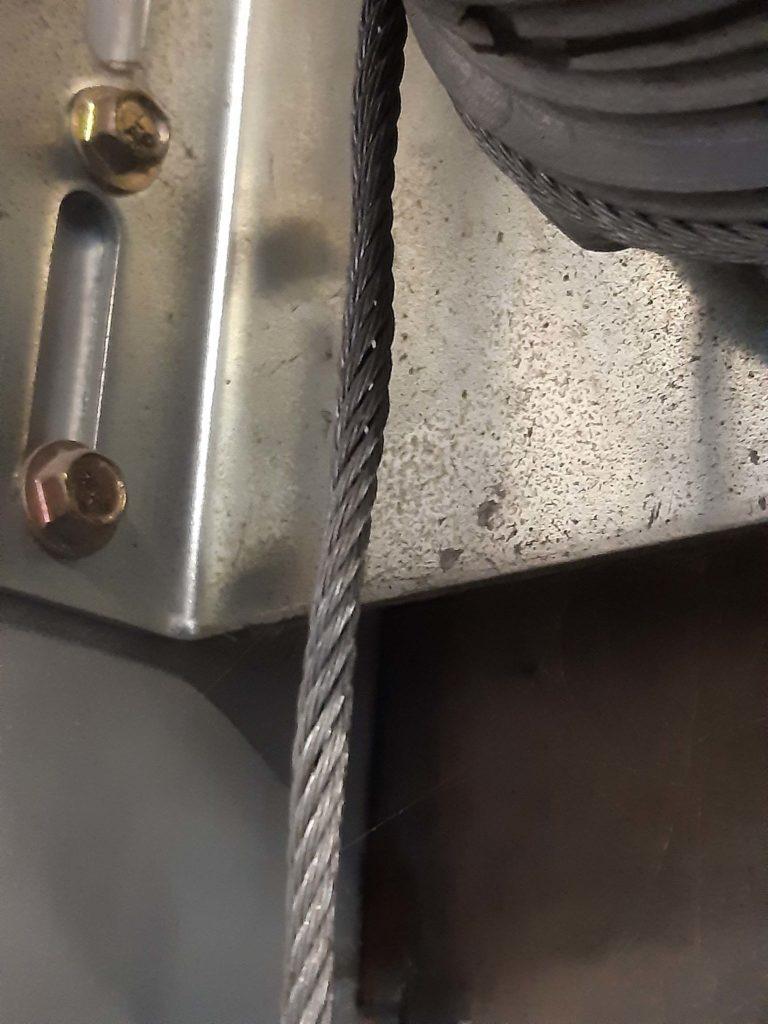 Portes sectionnelles : problème courant : le montage du câble